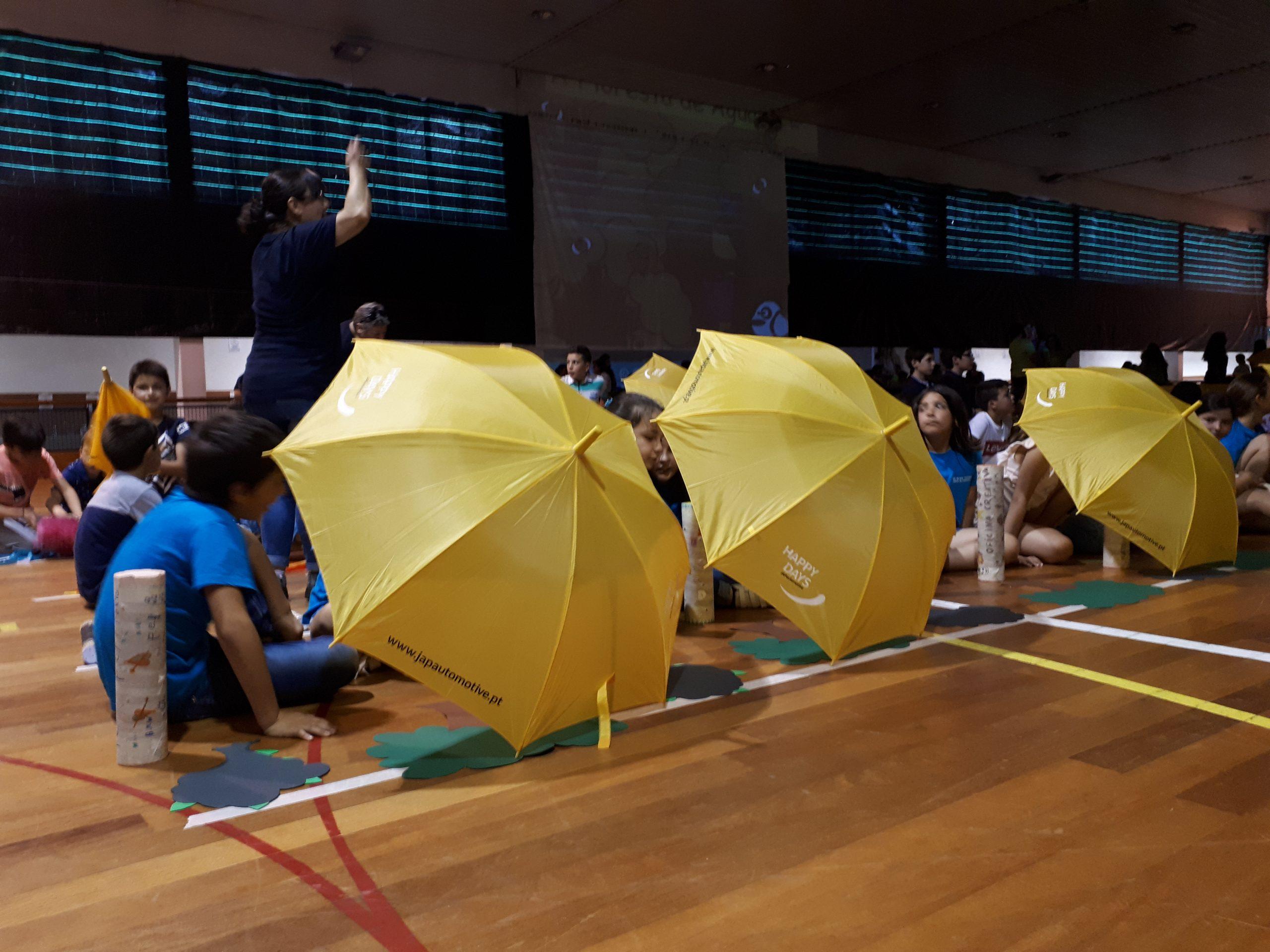 A criatividade em musical infantil 210 alunos em conjunto.